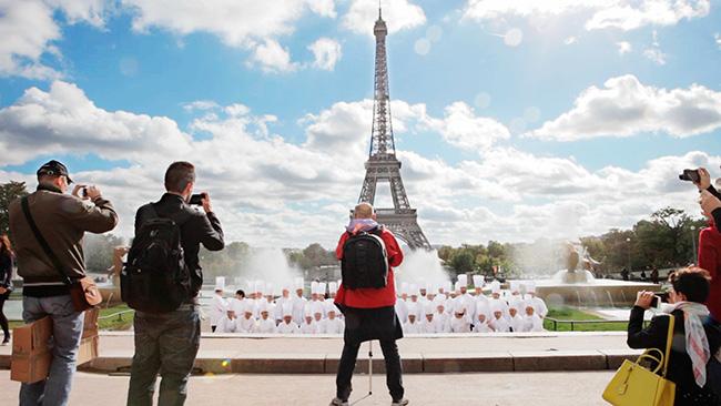parigi accademia maestri pasticceri tour Eiffel backstage