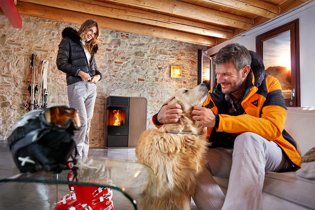 jolly mec fuoco camino stufa pellet calore sci cane